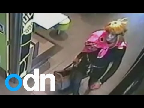 Cross-dressing thief holds up Melbourne fast food cafe