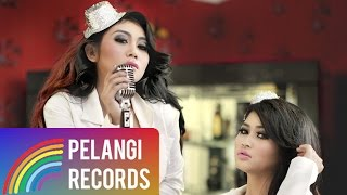 Duo Serigala Sianida Official Lyric Video