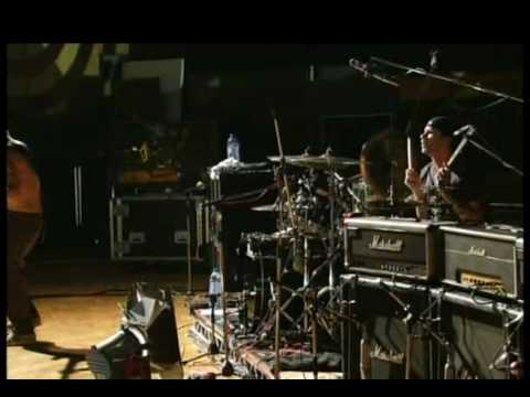 RED HOT CHILI PEPPERS LIVE AT ABBEY ROAD PART 1