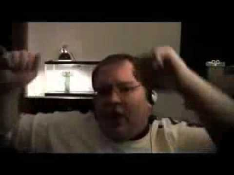 Fat guy singing numa numa song