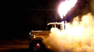 Huge BURNOUT with a Mack Superliner!! Flames too!!