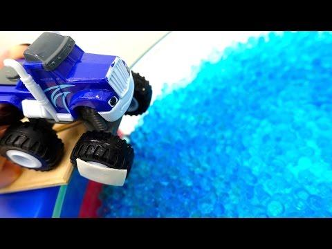 Игры для мальчиков - Крушила купается в бассейне Орбиз