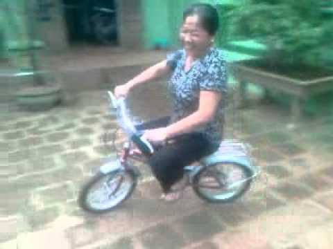 Hai Nhu Hoai Linh.mp4 video