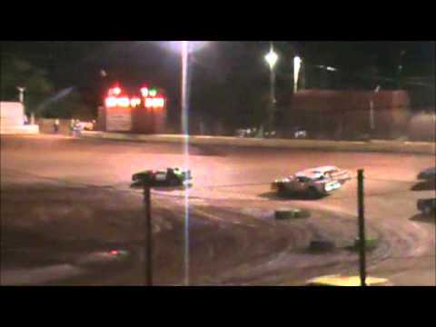UMP Street Stock feature at Clarksville Speedway. - video thumbnail image