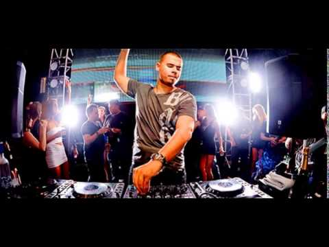 Afrojack - ID (Afrojack  Electric Daisy Carnival New York)
