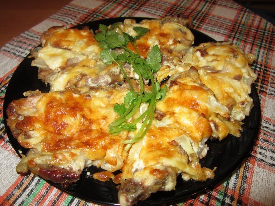 Мясо по-французски с картошкой в духовке свинина с помидорами