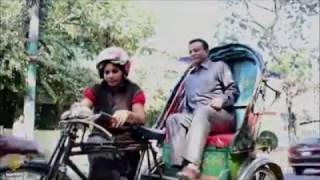 Bangladesh's Woman Rickshaw Driver Crushing Country's Typical Gender Roles