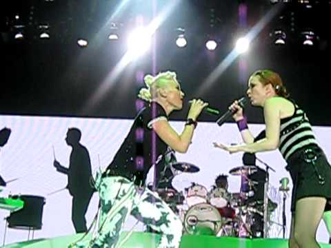 No Doubt- Stand and Deliver with SHIRLEY MANSON of Garbage and The Sounds in San Diego 8-8-09