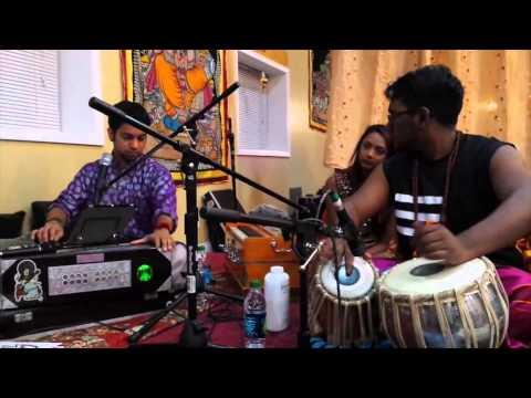 DARSHAN DO GHANSHYAM - Denis and Gavin at the Beautiful Vishwa...
