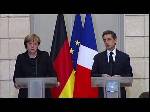 Merkel, Sarkozy demand new eurozone pact in crunch week for Euro