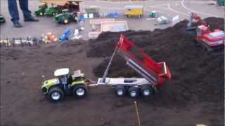 Claas Xerion working on a construction site | Euromodell Bremen 2012