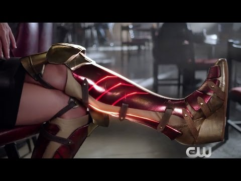 "Supergirl - Extended ""Wonder Woman"" Promo"