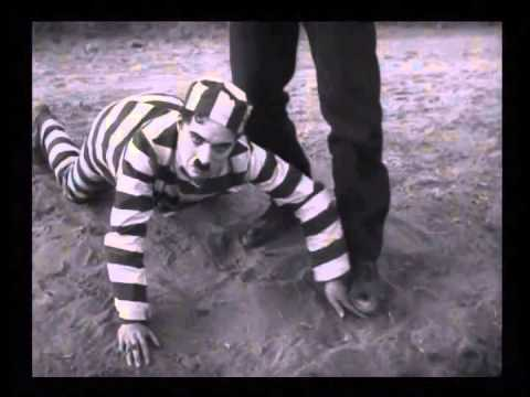 The Adventurer (1917) Charlie Chaplin--the Opening Chase video