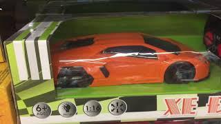 Một ngày khám phá đồ chơi của bé, bé thích chơi ô tô