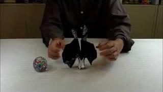Hur man viker ett tvillingljus av en servett