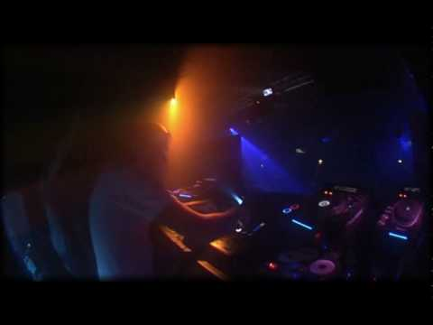 This Is Sander Kleinenberg on the SVM-1000 at MOS London