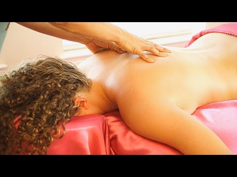 Swedish Back Massage Therapy Techniques For Back Pain & Relaxation