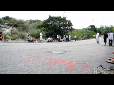 OitoOito Downhill Slide.  - By EL PHANTE