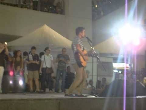 DYESEBEL,Sam Milby sing a song to all fans@trinoma