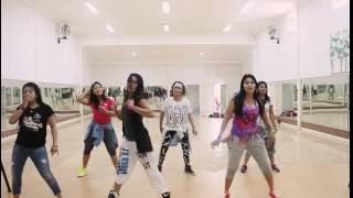 "Download Lagu Zumba ""Shaky Shaky..by Daddy Yankee /choreo by Chenci Gratis STAFABAND"