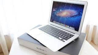 MacBook Air Core i5 Unboxing (2011)