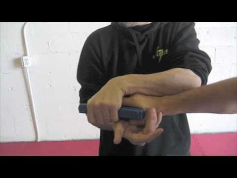 Avi Nardia showing KAPAP Gun Disarming at KAPAP MIAMI / TECHNON TACTICAL Image 1