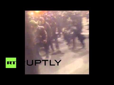 USA: Watch clashes and tear gas ENGULF Berkley at Eric Garner dem