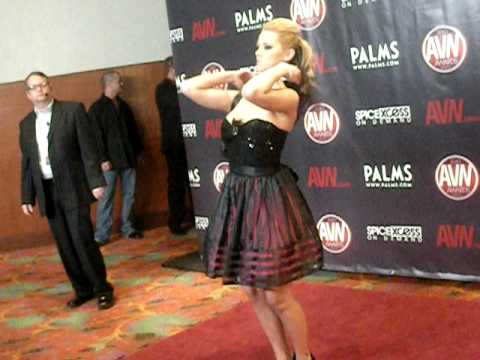 AVN AWARDS Red Carpet 2010 - Ashlynn Brooke Video