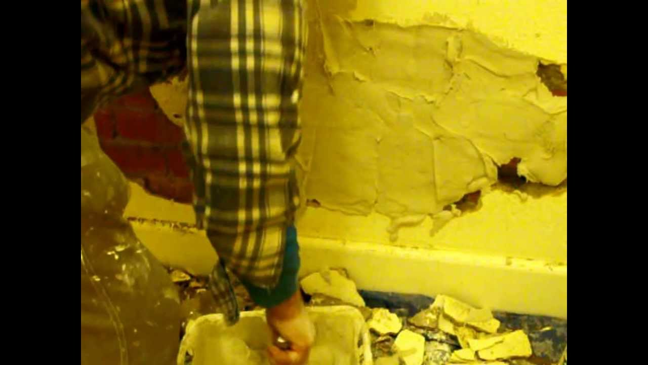 Plaster Repair Large Hole In Wall Youtube