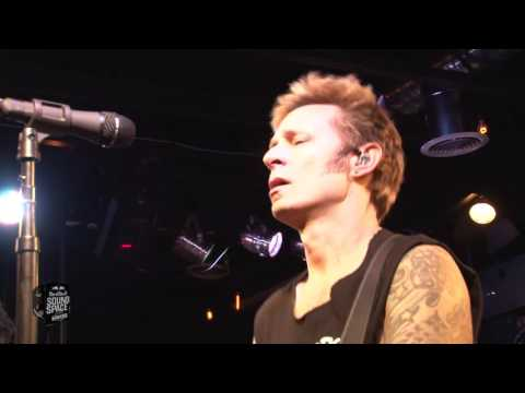 Cover Lagu Green Day - Revolution Radio (Live at KROQ)