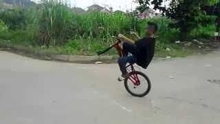 KEREN Atraksi Sepeda BMX Anak Kecil Di Samarinda