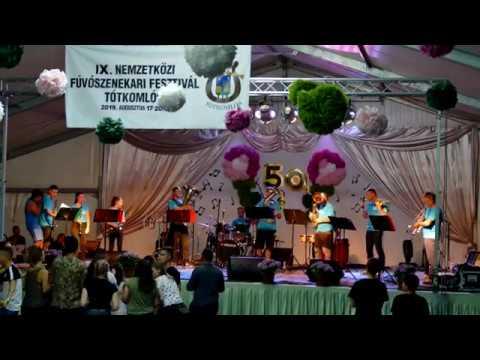 Fúvó Shock együttes koncertje a tótkomlósi Nemzetközi Fúvószenekari Fesztiválon