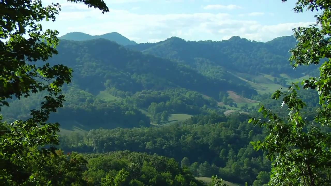 Mountain traditions nc asheville land and homes for sale for Asheville mountain homes
