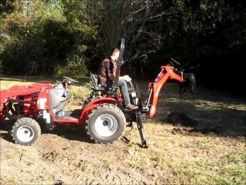 Mahindra Max 28XL Backhoe in Action