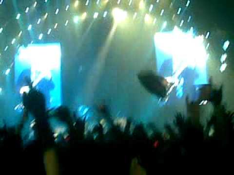 Thunderstruck Live In Milan 19/3/2009