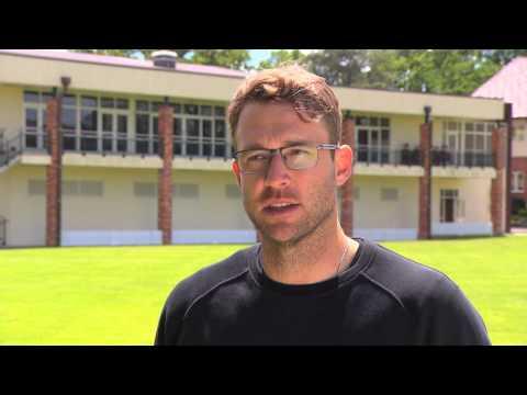 2mm Sports - Daniel Vettori Endorses the Pure and Rock cricket grip