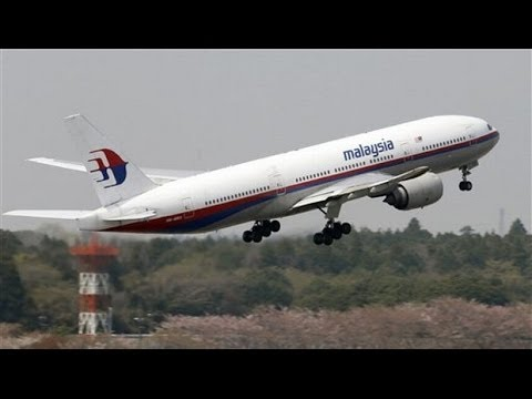 Dunya News - Oil slicks found in hunt for missing Malaysia jet