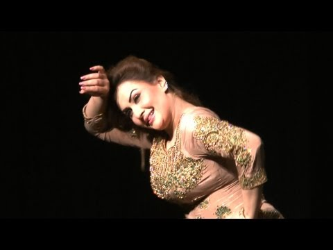 Nargis Hot Mujra Dance video