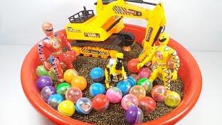 Xe máy xúc bóc trứng bất ngờ siêu nhân đỏ tí hon đồ chơi trẻ em toy for kids
