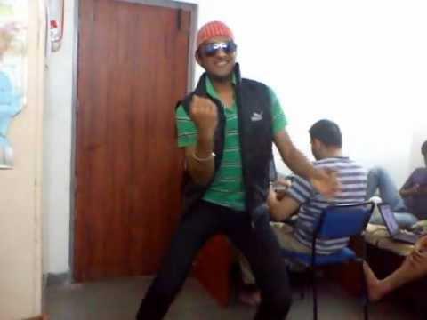 Auh Hostel Masti With tu Cheez Badi Hai Mast Mast.. video