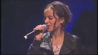 Клип Alizee - La Javanaise (live)