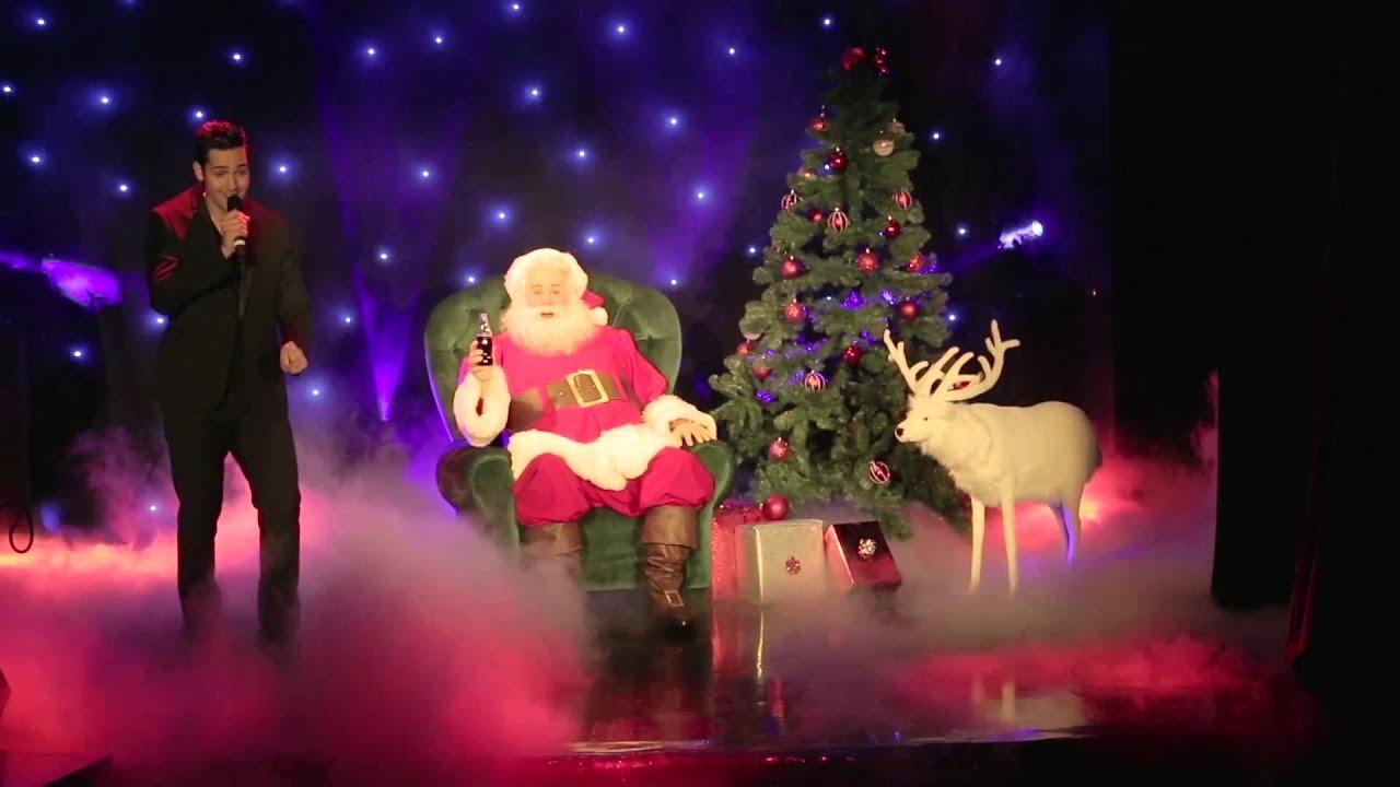 Père Noel Coca Cola 2013 le Père Noël Coca-cola Entre à