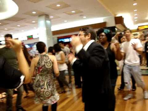 Oh Happy Day - Flash Mob - Parque Shopping Barigui video