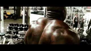Mike Rashid and Big Rob training shoulders at Metroflex