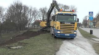Volvo Excavator EC380DL and a Scania R470 collect soil 2015