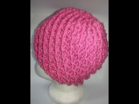 Gorro con punto en relieve a crochet No  2