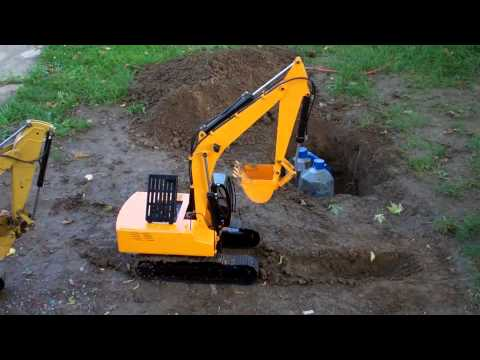 1/12 Earth Digger 4200XL Hydraulic Excavator (RTR) Dig Test