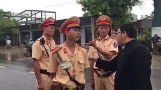 LM Đặng Hữu Nam dạy cho CSGT Nghệ An 1 bài học khi ngăn cản người dân đi lễ