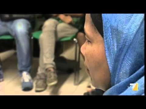 Il Papa: i conventi chiusi agli immigrati