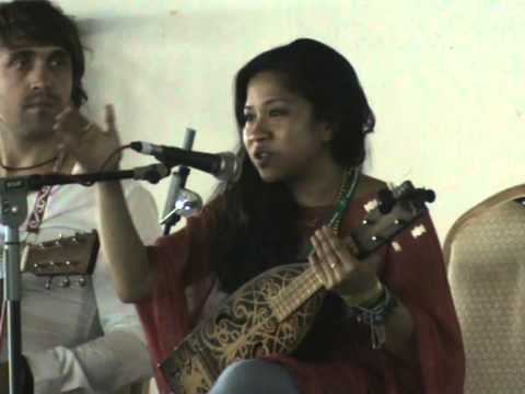 Interview with Zee Avi at Rainforest World Music Festival 2012 - Day 1 (Workshop)